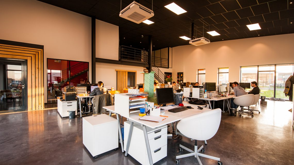 Waarom de akoestiek centraal staat in een kantoorontwerp